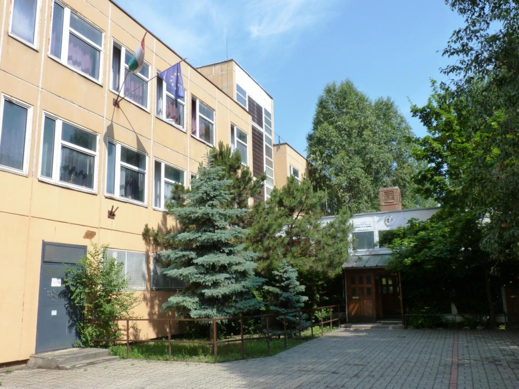eszközök megfelelnek az általános iskolák)